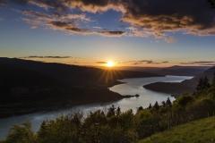 Lac d'Annecy depuis le col de la Forclaz au coucher de soleil